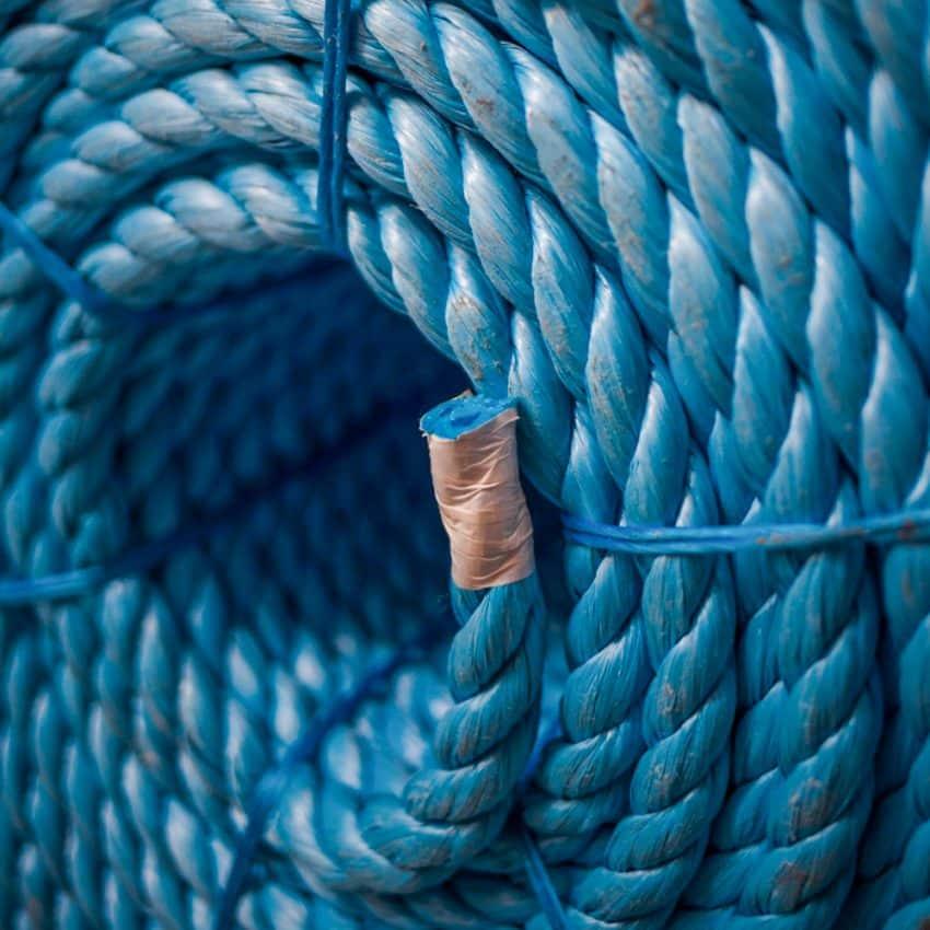 Blue-Polypropylene-Rope-coil-end
